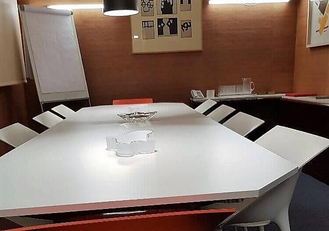 Alquiler de despachos y oficinas bilbao domiciliacion de for Alquiler de oficinas en bilbao